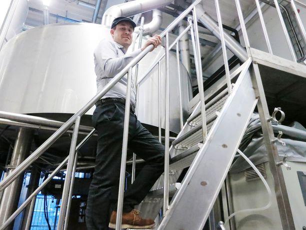Saimaan juomatehtaalla on valmisteltu alkoholilain muutosta, mutta oluen valmistusaikoja ei valmistautuminenkaan muuta. Toimitusjohtaja Jussi Laukkanen arvioi, että monessa panimossa siirtymäajat otettaisiin ilolla vastaan.