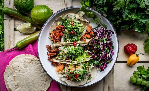 Guacamolet ja salsat on tehty itse.