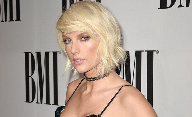 Taylor Swift vastaa kiusaamiseen alleviivaamalla sen.
