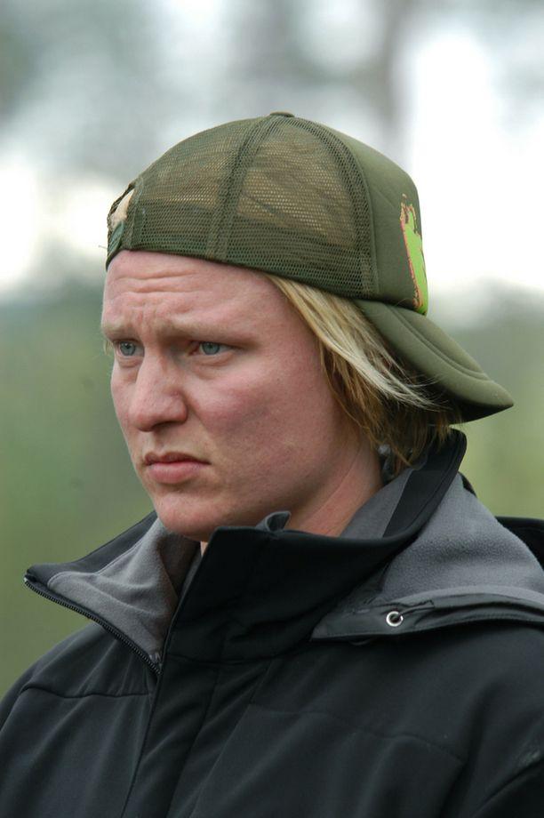 Vuonna 2004 Linnonmaasta oli tullut jo pienoinen julkkis ja hän pääsi mukaan MTV3:n V.I.P. Seikkailuun. Radiojuontaja palasi televisioon tammikuussa 2016 Haluatko Miljonääriksi? -ohjelmassa.
