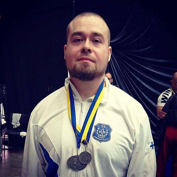 Tuomas Hautala oli klassisen voimanoston MM-kisoissa viime vuonna hopealla.