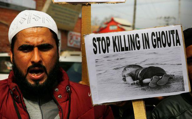 Syyrian hallintoa vaaditaan lopettamaan Ghoutan pommittaminen.