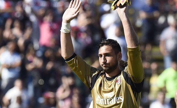 AC Milanin kannattajat huokaisevat helpotuksesta, kun Gianluigi Donnarumma jatkaa seurassa.