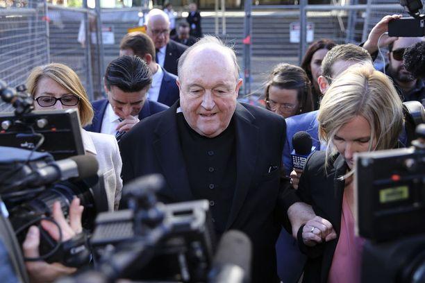 Arkkipiispa Philip Wilson sanoi pettyneensä tuomioon. Hän ei ainakaan heti ilmoittanut valittavansa.