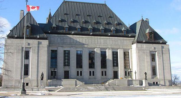 Kanadan korkein oikeus. Kurinpiitolautakunta suositteli tuomarin erottamista.