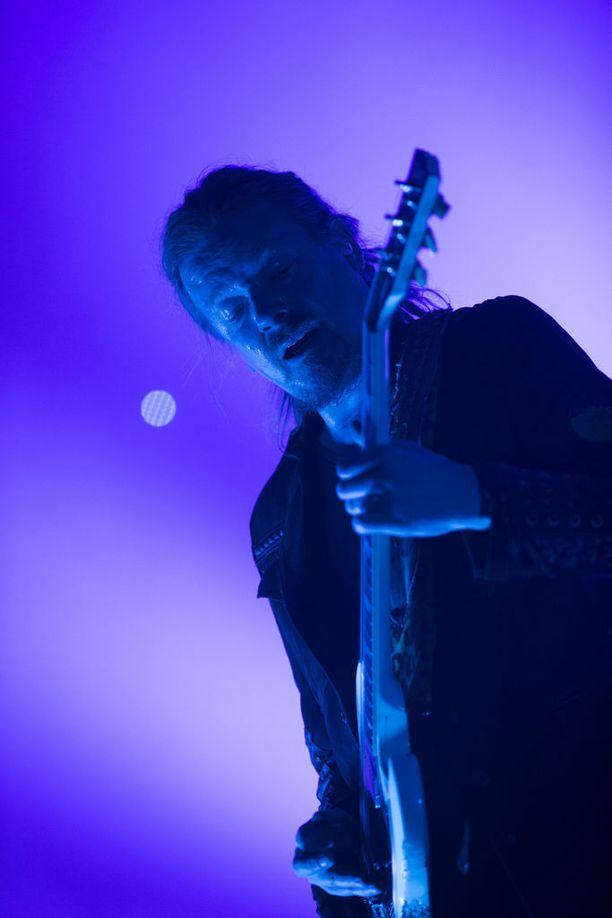 "Kitaristi Mikko ""Linde"" Lindström."