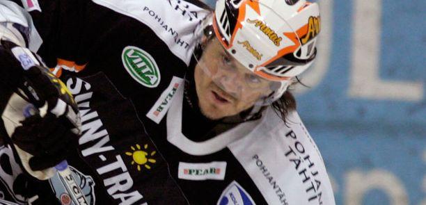Kaspars Astasenko HPK:n paidassa vuonna 2006.