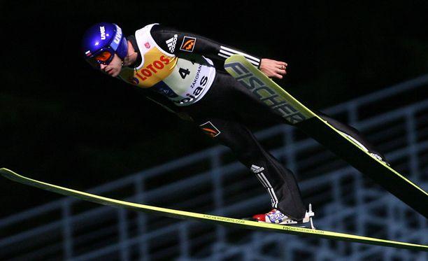 Karelin ylsi urallaan kolmesti palkintopallille.