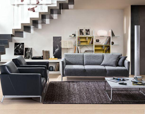 Sohva ja nojatuolit kuuluvat suomalaiseen olohuoneeseen - jos jotain voi päätellä tämän kuvan suosiosta.