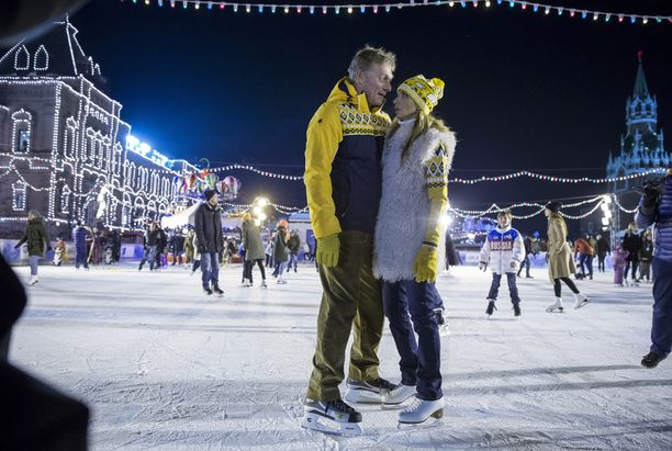 Tatjana Navka ja Dmitri Peskov Moskovan Punaisella torilla.