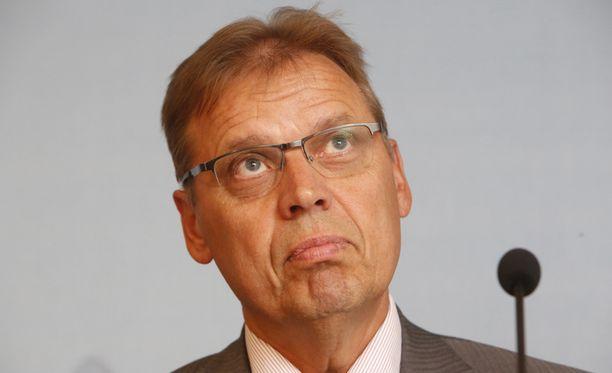 SAK:n puheenjohtaja Lauri Lylyn mukaan neuvotteluissa ei edes päästy kunnolla keskustelemaan asiasta, kun juututtiin prosenttitavoitteeseen.