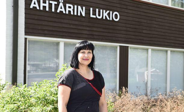 Rehtori Anne Luodeslampi iloitsee oppilaiden menestyksestä.