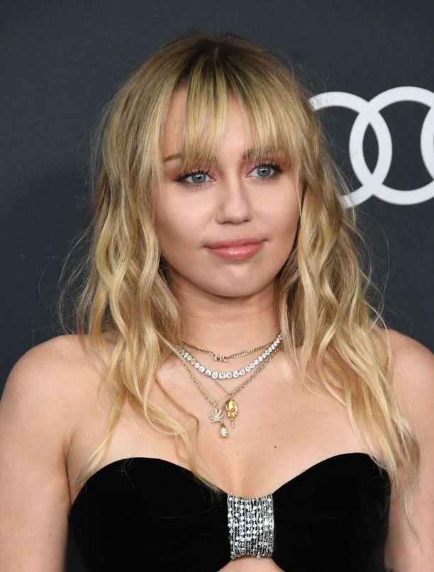 Miley Cyrus tunnetaan esimerkiksi kappaleistaan Wrecking Ball ja We Can't Stop.
