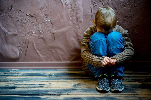 Lastensuojelu on kannattavaa liiketoimintaa. Kuvituskuva.