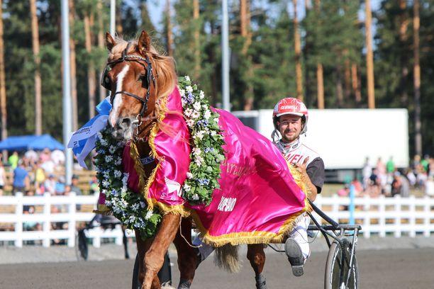 Mikkelissä Suurmestaruuden voittanut H.V. Tuuri on yksi kuninkuuskisan suosikeista.