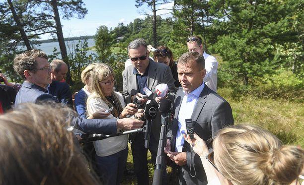 Valtiovarainministeri Petteri Orpo puhui medialle ensi vuoden budjettiesityksestä keskiviikkona Espoossa.