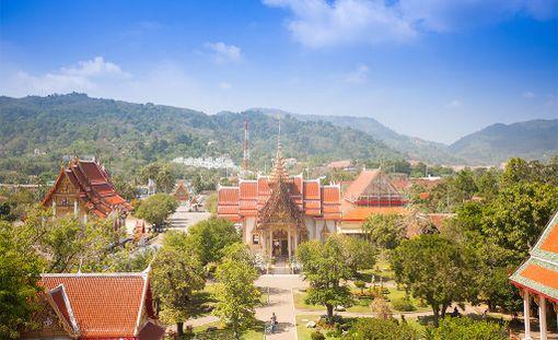 Phuket on Thaimaan suosikkisaari, joka sopii koko perheen lomakohteeksi.