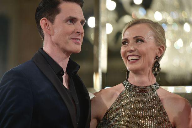 Virpi Sarasvuo arpoi pitkään Tanssii tähtien kanssa -ohjelmaan osallistumista.