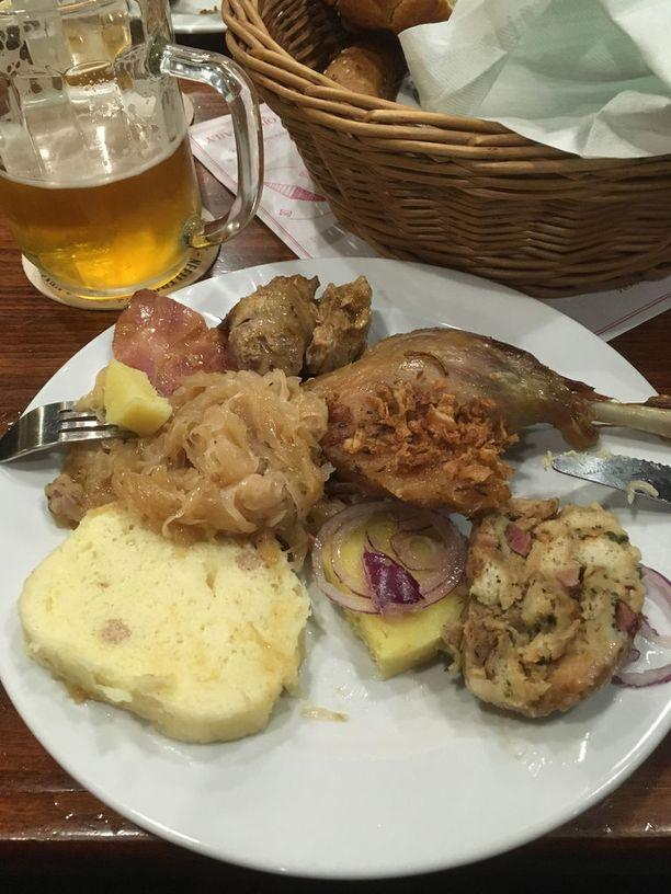 Tšekkiläinen ruoka on tuhtia ja täyttävää.