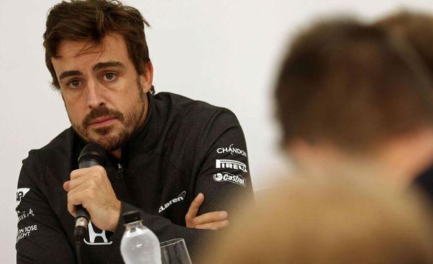 Fernando Alonso pohtii jatkoaan.
