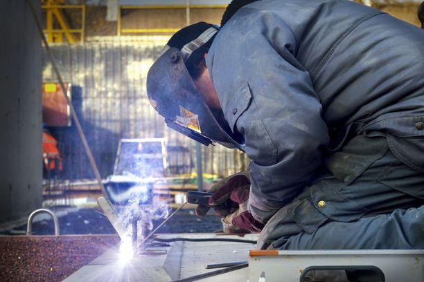 Monilla aloilla ja alueilla podetaan kovaa työvoimapulaa.