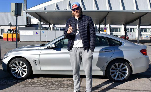 Patrik Laineella on pian rahaa BMW:nsä bensalaskuun.