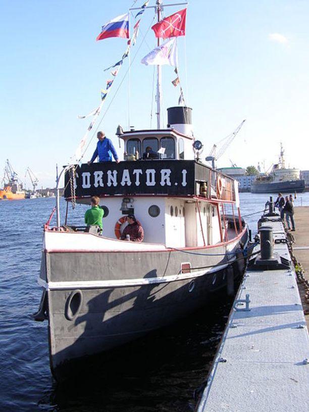 Urheiluseura järjestää kesäisin sukellusretkiä Tornator I -aluksella.