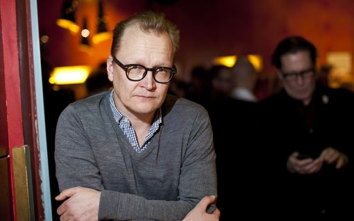 Näyttelijä Janne Reinikainen, 52, ja toimittaja Sonja Saarikoski, 32, naimisiin: katso suloinen hääkuva
