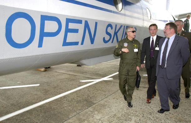 Open Skies -sopimuksen on allekirjoittanut 34 maata. Arkistokuva Brysselistä vuodelta 2002.