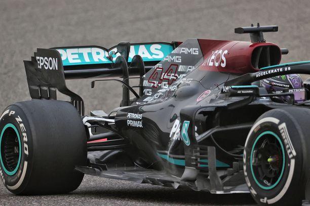 Osaatko kertoa tästä kuvasta, mitä Mercedes on tällä kertaa keksinyt?