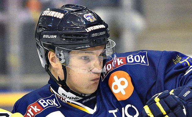Olavi Vauhkonen teki kaksi maalia Sportia vastaan.