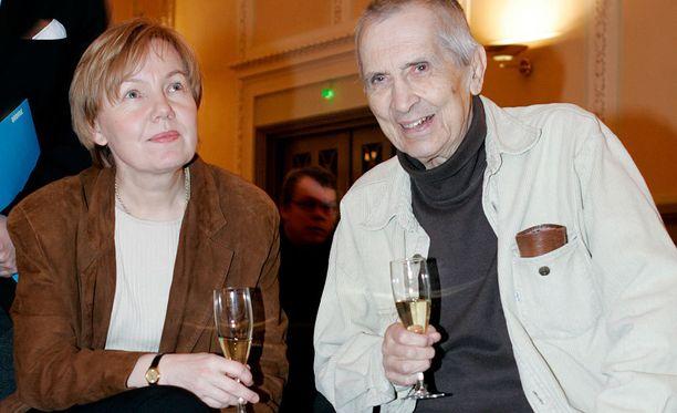 Einojuhani Rautavaara ja Sini-vaimo vuonna 2005.