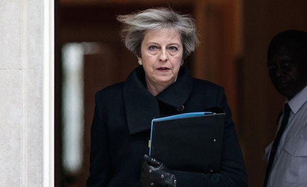 Theresa May kertoi, että terrori-iskun tekijä oli Britannian tiedustelulle tuttu.
