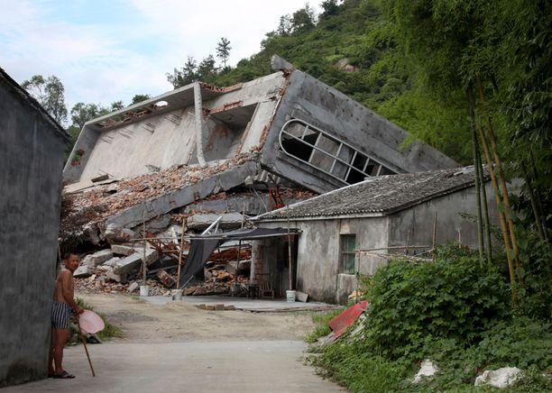 Wenzhoussa on tuhottu useita katolisia kirkkoja. Kuvan kirkko tuhottiin maan tasalle heinäkuussa.