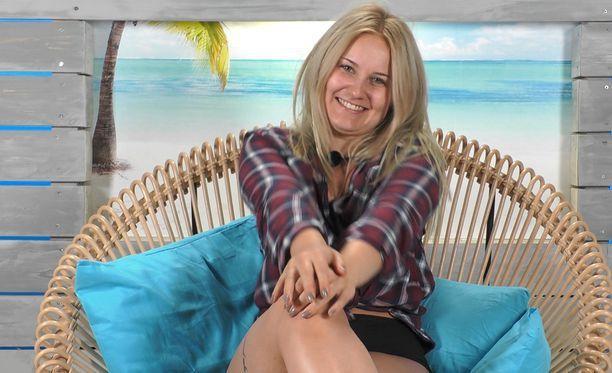 Love Islandissa Veera oli yhtä hymyä ihastuttuaan Janneen.