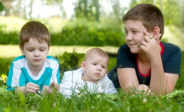Kolme lasta stressaa enemmän kuin neljä tai useampi, tutkimuksessa selvisi.