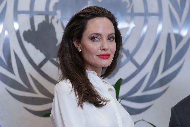 Angelina Jolie kuuluu Hollywoodin arvostetuimpiin näyttelijöihin. Myös häntä on ahdisteltu.