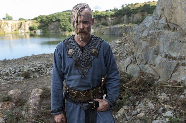 Jasper Pääkkönen esittää Peter Franzénin hahmon pikkuveljeä.