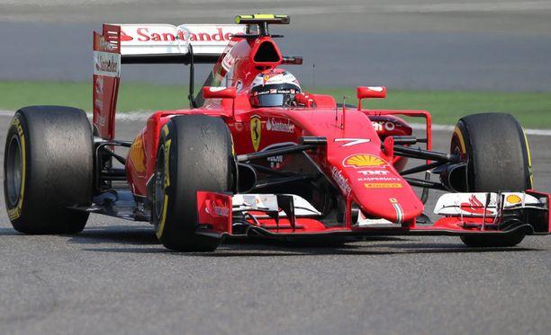Kimi Räikkösen peruspalkka Ferrarilla on 12 miljoonaa euroa.
