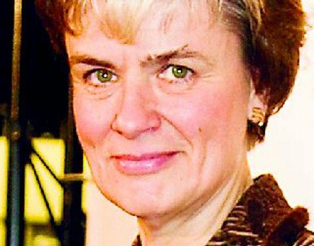 Ministeri Astrid Thors on pannut toimeksi hyvinä vuosina tehdyn hallitusohjelman mukaisesti, vaikka ajat ovat nyt aivan toiset.
