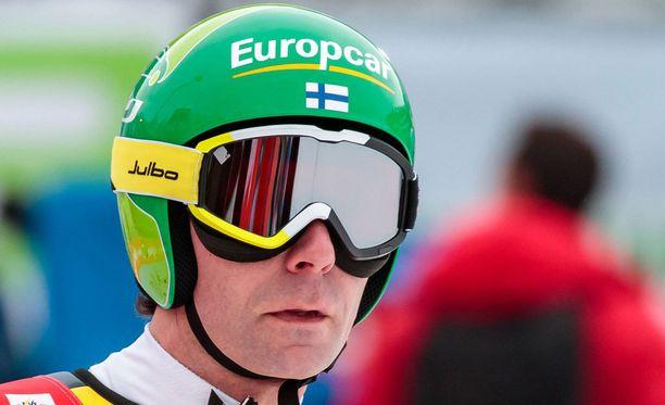 Janne Ahonen karsiutui toiselta kierrokselta Kulmin lentomäessä.