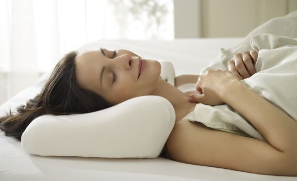 Nukkumisergonomiaan vaikutetaan ennen kaikkea oikeanlaisilla tyyny-, peitto- ja patjavalinnoilla.