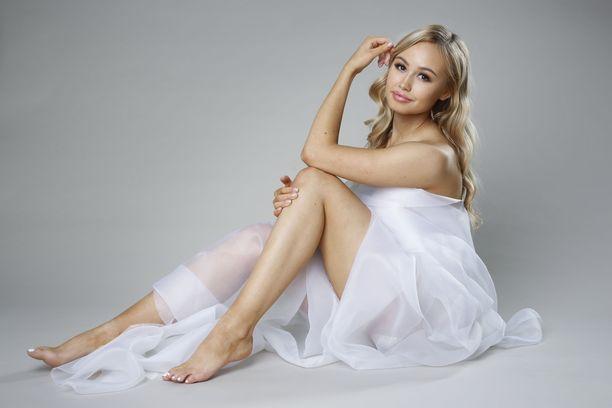 Kuvassa näkyvä Inna Tähtinen voitti Miss Helsinki -kilpailun viime vuonna.