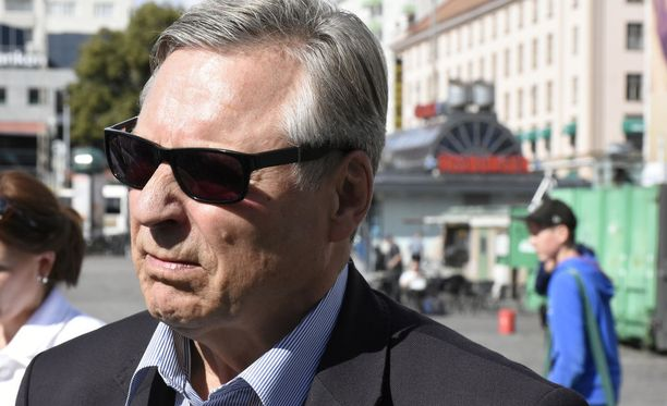 Pertti Salolaisen mukaan uudi tiedustelulainsäädäntö pitäisi saada valmiiksu tämän vaalikauden aikana.