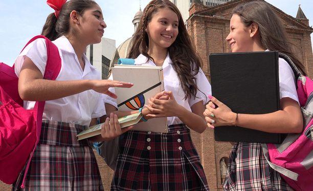 Nuorisokielessä käytetyt lyhenteet helpottavat kommunikointia.