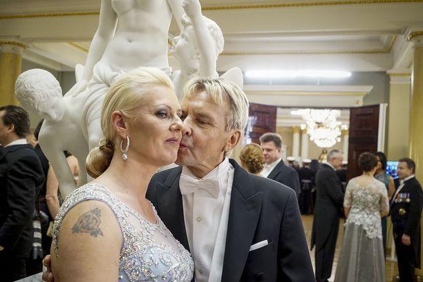 Matti Nykänen ja vaimo Pia Nykänen Linnan juhlissa vuonna 2015.