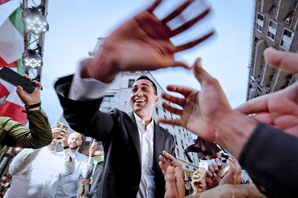 Viiden tähden liikkeen Luigi Di Maio on vaatinut pikaisesti uusia vaaleja.