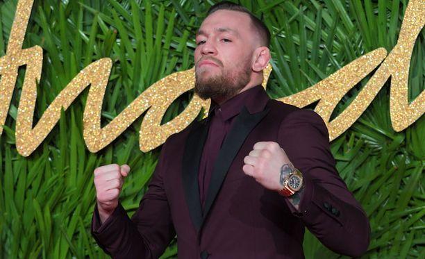 Conor McGregor saatetaan nähdä ensi huhtikuussa taas nyrkkeilykehässä.