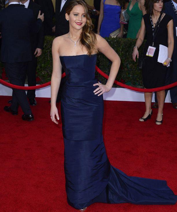 Jennifer Lawrencen puku yllätti kesken illan.