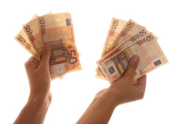 Palkkadata kertoo, missä ilmoitusten perusteella tienataan vähintään 4 000 euroa kuukaudessa.